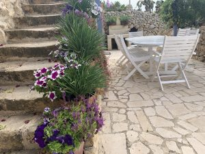 Client waiting for session at L'Gharix Temple Retreat